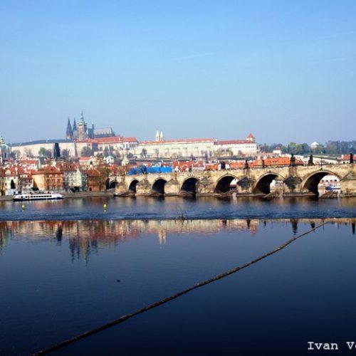 Экскурсия Карлов мост со всех сторон