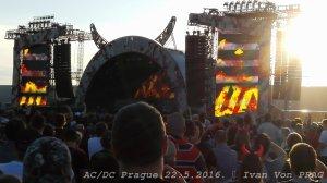 Начало концерта в Праге - Rock or Bust